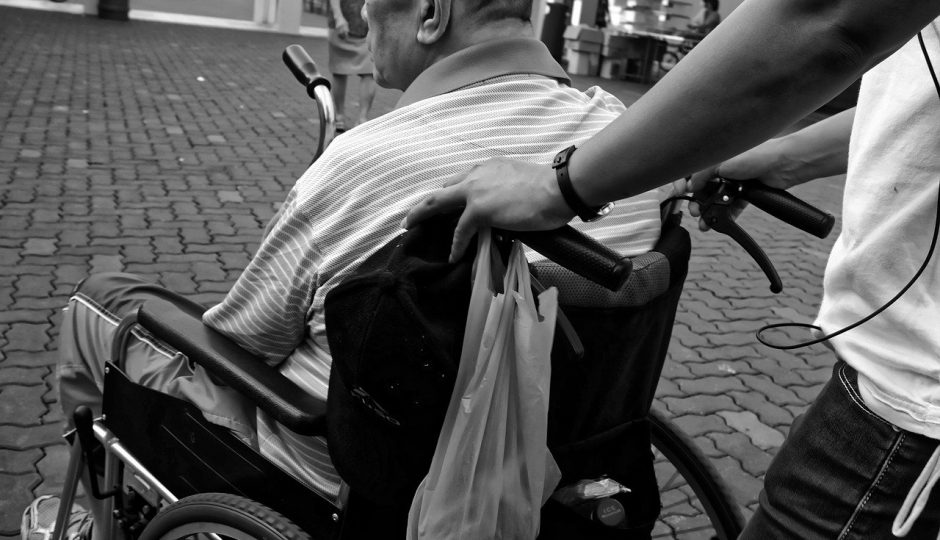 Comment devenir aide-soignante?